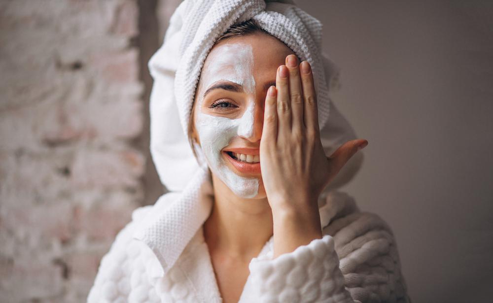 Maschere facciali: sai come usarle?